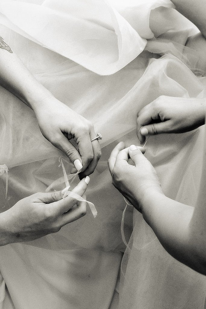 Glendale-wedding-dress-DSF0686-plat.jpg