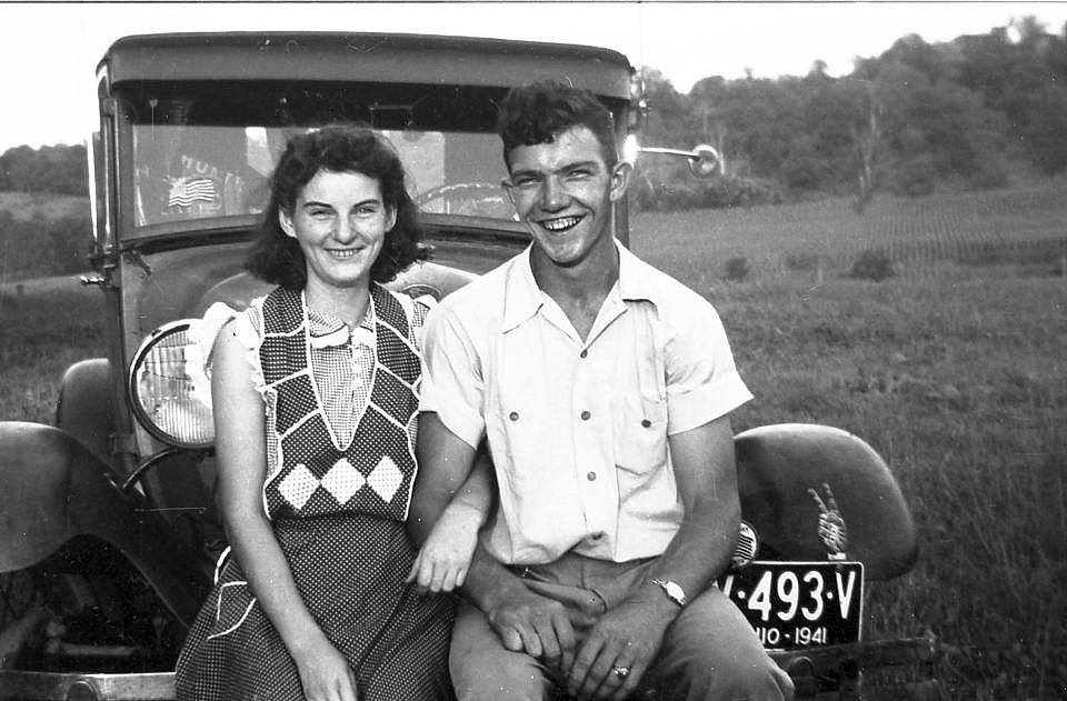Kenneth-and-Helen-Felumlee-1941.jpg