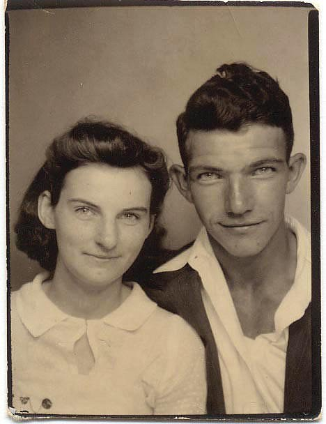 Kenneth-and-Helen-Felumlee-19412.jpg